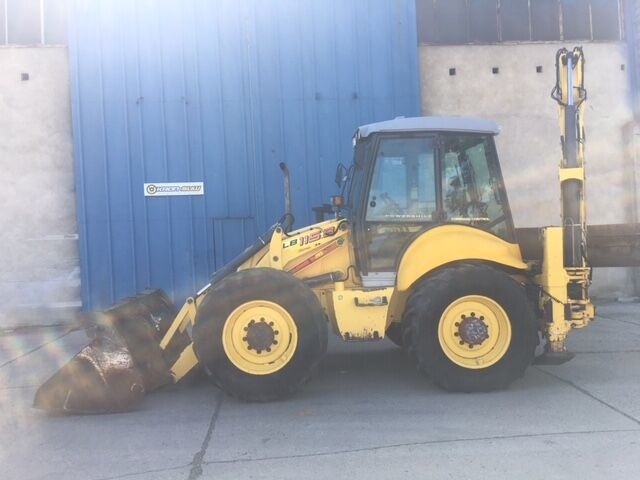 NEW HOLLAND LB 115 B rendegraver